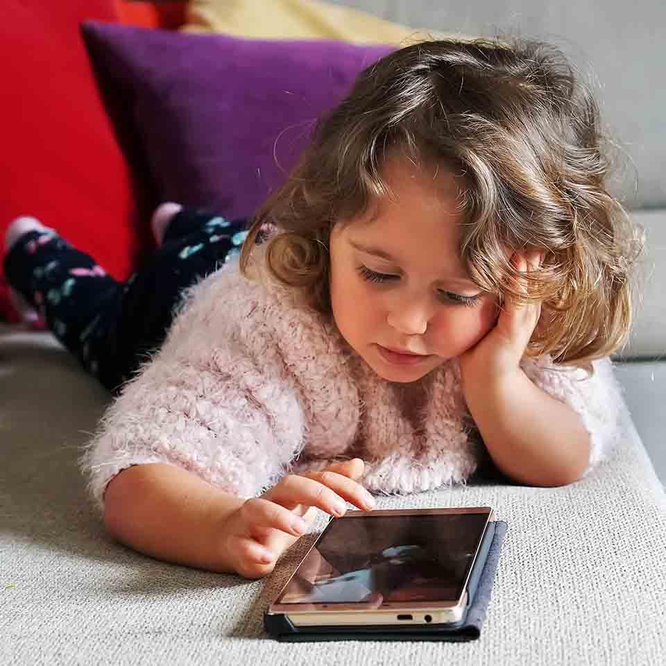 Tecnología y contenidos digitales para nuestros hijos
